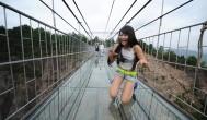 Подвесной стеклянный мост в Китае – чудо 21 века