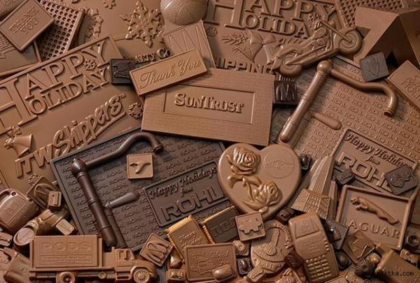 Чтобы покончить с собой, человеку достаточно съесть примерно 40-60 плиток молочного шоколада.