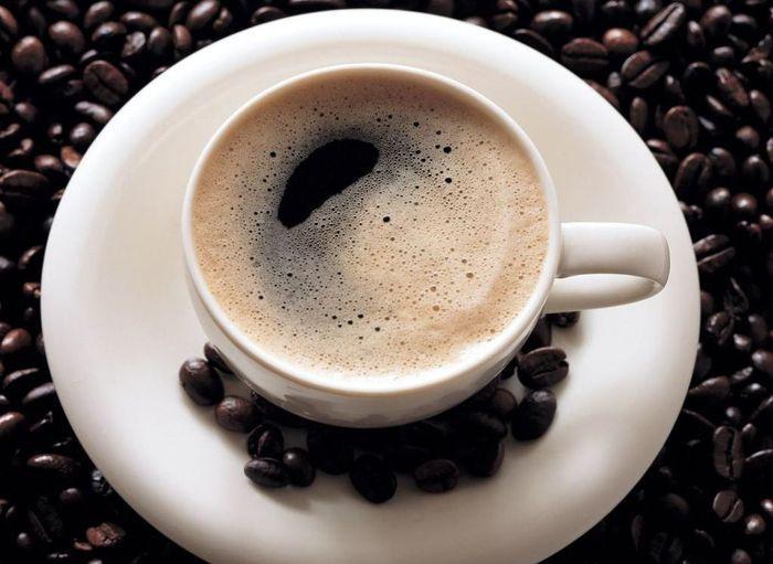 150 чашек эспрессо залпом является смертельной дозой.