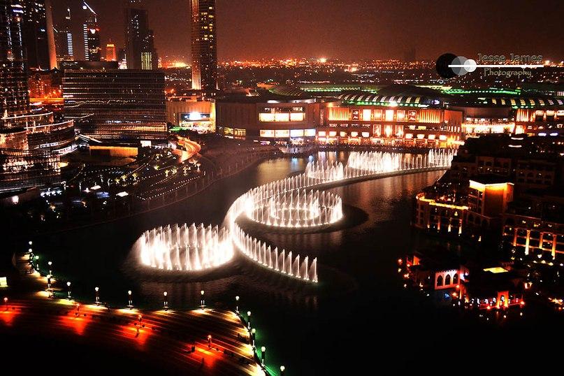 Романтичный фонтан в Дубае. Поющий фонтан