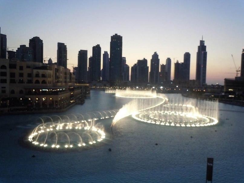 Его создалакалифорнийскаякомпания«WET Design»- одна из крупнейших компаний по созданию фонтанов.