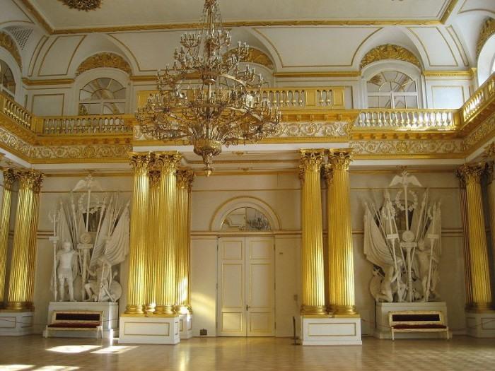 С июля до ноября 1917 года во дворце было размещено Временное правительство