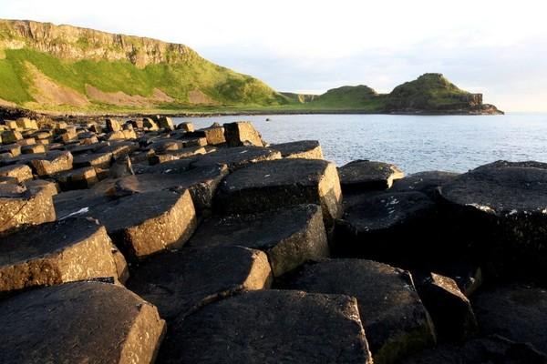 Согласно легенде, дорога гигантов, была построена финном, которого звали Мак Кумале.
