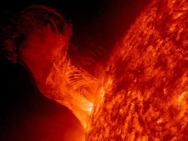 Представляем вашему вниманию новые фотографии космических объектов, которые были опубликованы на сайте nationalgeographic.com за 2013 год.