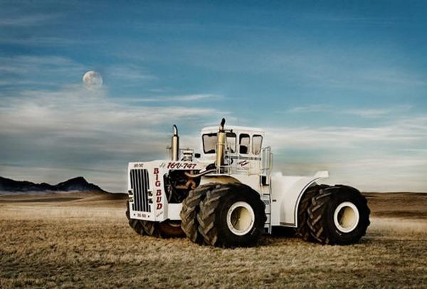 Вес трактора с полным баком-50 тонн