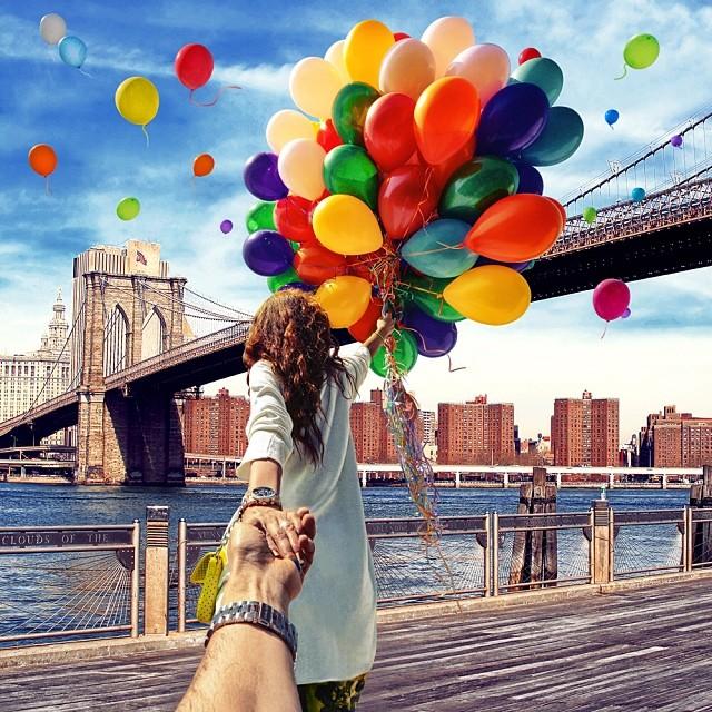 На фоне Бруклинский Мост