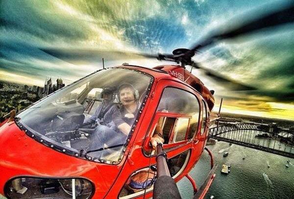 Пилот вертолёта тоже не отстаёт от тенденции