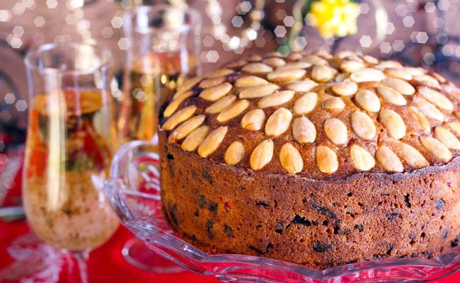 Шотландцы себе не изменили и даже в рождественский пирог добавили шотландский виски, поэтому пирог и получил такое название.