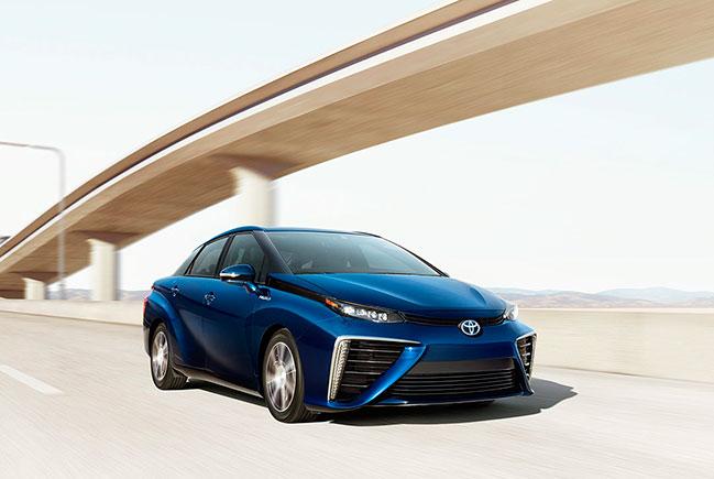 В Европу прибыли первые эко- автомобили концерна Toyota