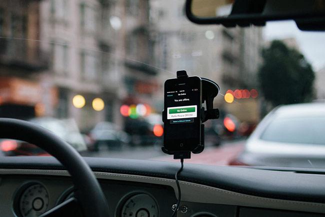 Корпорация Microsoft инвестирует  $ 100 млн в Uber