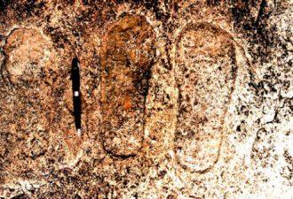 10000-летние наскальные рисунки с изображением иностранцев и НЛО, найденных в Чхаттисгарх, Индия