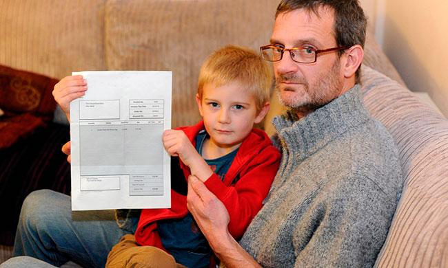 Театр абсурда: в Британии требуют от пятилетнего мальчика оплаты счета в 16 фунтов