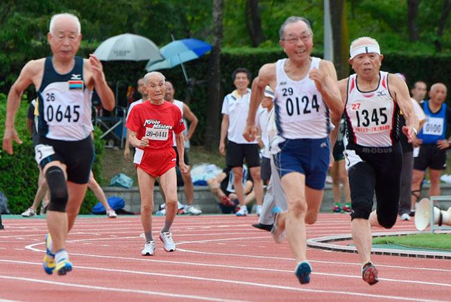 Личный рекорд Хидекичи Миядзаки – 100 метров за 34.10 секунды