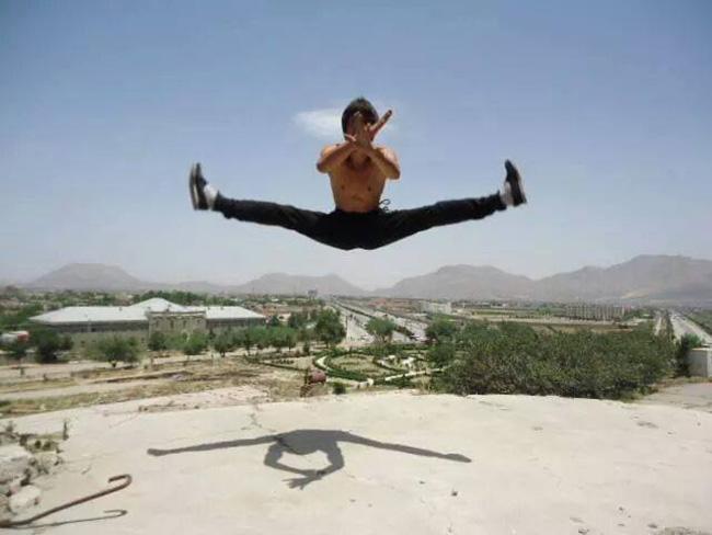 """Афганская """"ре-инкарнация"""" Брюса Ли - Аббас Ализада - покоряет всемирную сеть"""