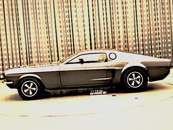 Mustang Mach 1 создавался как двухместный лифтбэк
