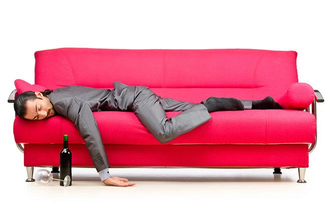 Пятна на мебели – печальные следы нашей жизни