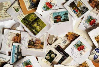 Французский почтальон 14 лет воровал открытки и письма