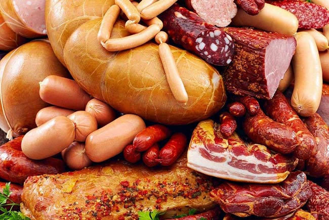 ВОЗ предупреждает: сосиски, колбаса и бекон опасны для вашего здоровья
