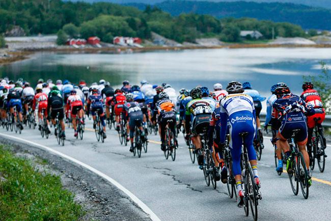 Норвежская армия устроила сюрприз для велосипедистов Arctic Race