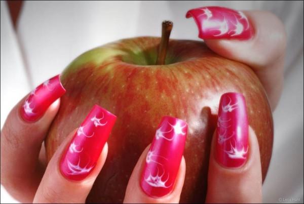 Об искусстве дизайна ногтей, или варианты боевой раскраски