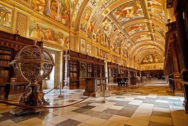 Библиотека Эскориал в Мадриде, Испания