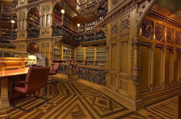Библиотека парламента в Оттаве, Канада